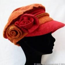 Berretto donna lana cotta bicolore con rose